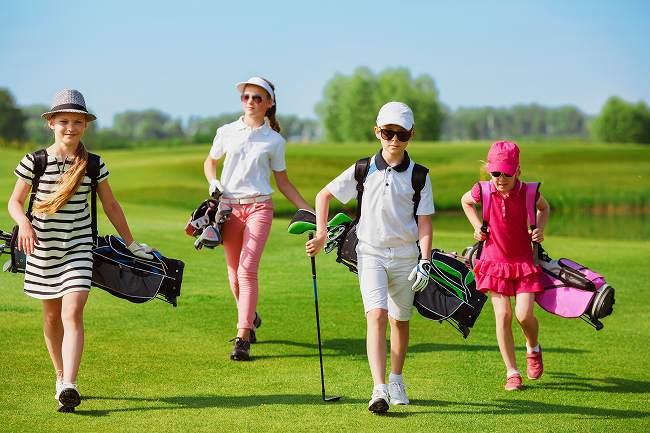 ゴルフスクールやyoutube動画では上達しない?