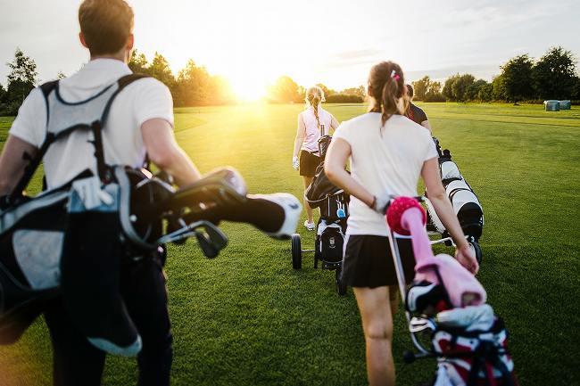 なんでゴルフで出会いがあると言われているの?