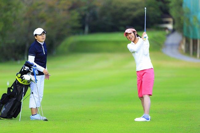 ゴルフスクールに通う頻度は?